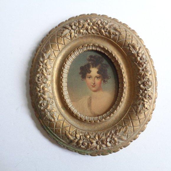 Vintage Syroco Elizabethan Lady Portrait